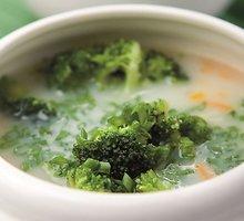Kreminė brokolinių kopūstų sriuba