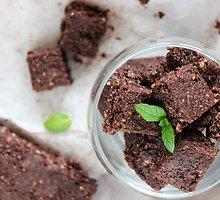 """Šokoladinis mėtinis nekeptas """"brownie"""""""