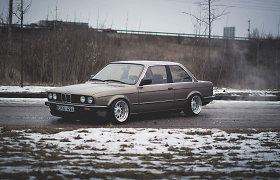 2 metus entuziasto Roko tobulintas BMW 325 – idealus kupė savaitgaliams