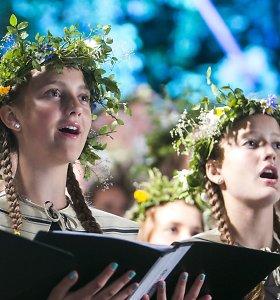 Po Dainų šventės: apie prie kelio palinkusias liepas, ateivius ir tradicijas