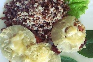 Vištienos kepsneliai su konservuotais ananasais (Renatos Ž. receptas)