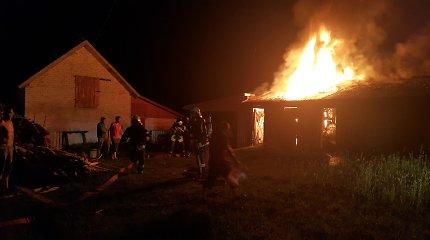 Padegėjų siausmas Dičiūnuose: 3 val. nakties užsidegė ūkinis pastatas, 6 val. – pirtis