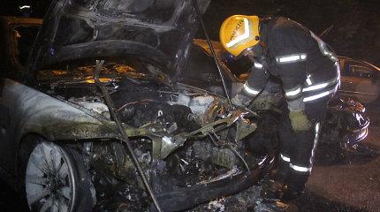 Iš marijampoliečio pavogtą automobilį ilgapirščiai sudegino miške