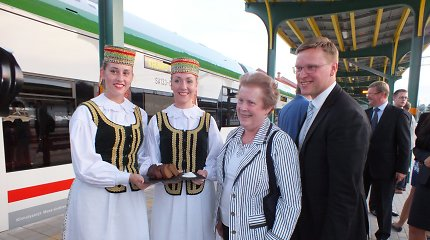 Po 76 metų į Kauną traukiniu atvyko pirmieji tiesioginio reiso tarp Lenkijos ir Lietuvos keleiviai
