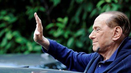Buvęs Italijos premjeras Silvio Berlusconi išrašytas iš ligoninės