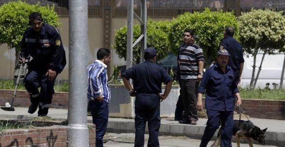 Egipte per ginkluotą išpuolį nužudyti aštuoni policininkai