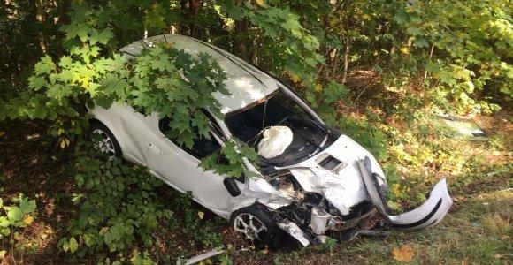 """Kelyje į Dedeliškes po """"Peugeot"""" ir """"Toyota"""" kaktomušos sužalota keleivė"""