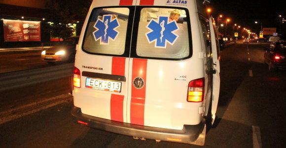 Utenoje mirus vairuotojui mikroautobusas tapo nevaldomas