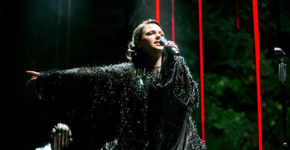 """""""Leon Somov & Jazzu"""" vasarą palydėjo efektingame koncerte po atviru dangumi"""