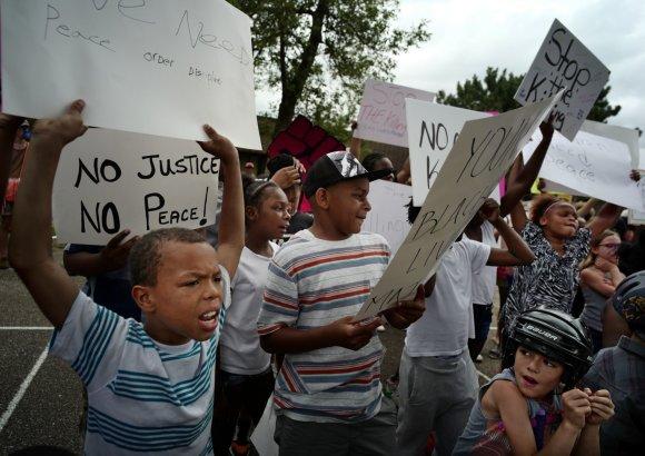 """""""Scanpix""""/AP nuotr./Protestai JAV dėl policijos smurto prieš juodaodžius"""