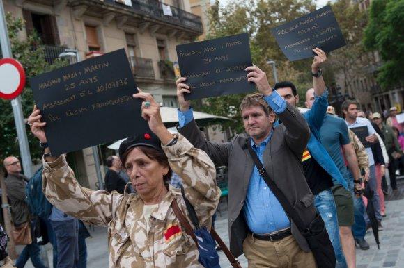 """AFP/""""Scanpix"""" nuotr./Protestai Barselonoje prieš parodą"""