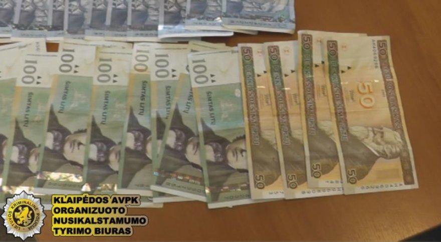 Įtariamojo namuose rasti 3 tūkst. Lt buvo konfiskuoti.