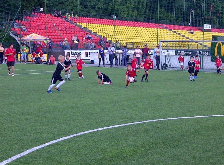 """Vaikų futbolo """"Žvaigždžių dienos"""" akimirka"""