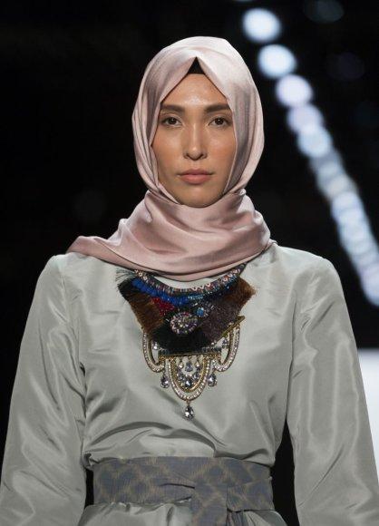 """""""Scanpix""""/""""Sipa USA"""" nuotr./Hidžabai – ant Niujorko mados savaitė podiumo"""