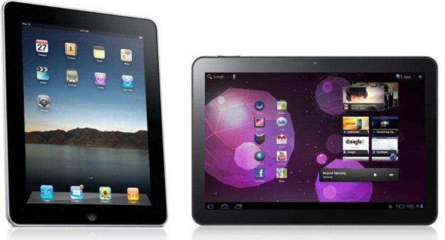 """""""Apple"""" planšetinis kompiuteris """"iPad 2"""" (kairėje) ir """"Samsung"""" konkurentas """"Galaxy Tab 10.1""""."""