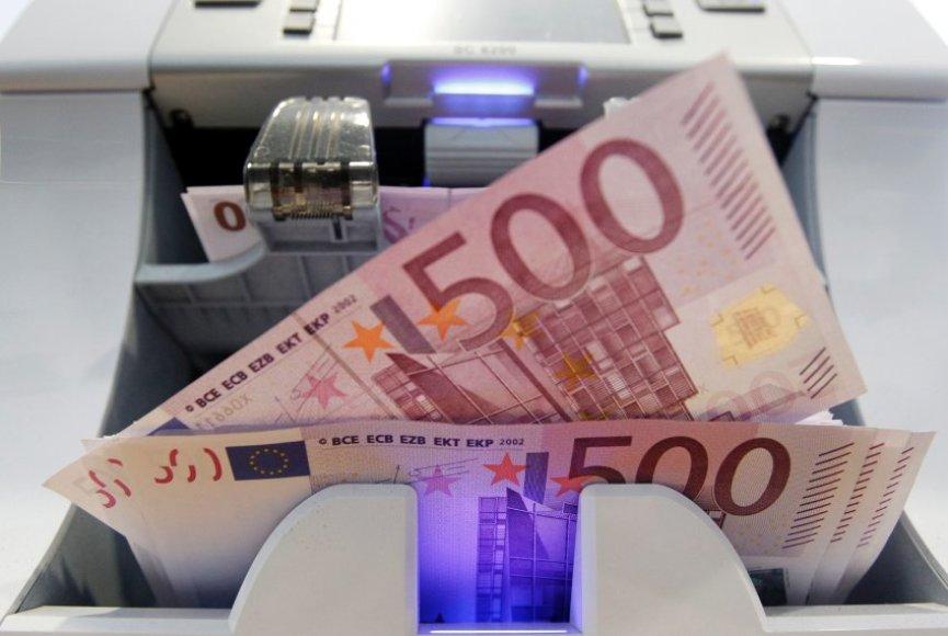 500 eurų kupiūros esą dažniausiai nugula po čiužiniu ir retai išvysta dienos šviesą.