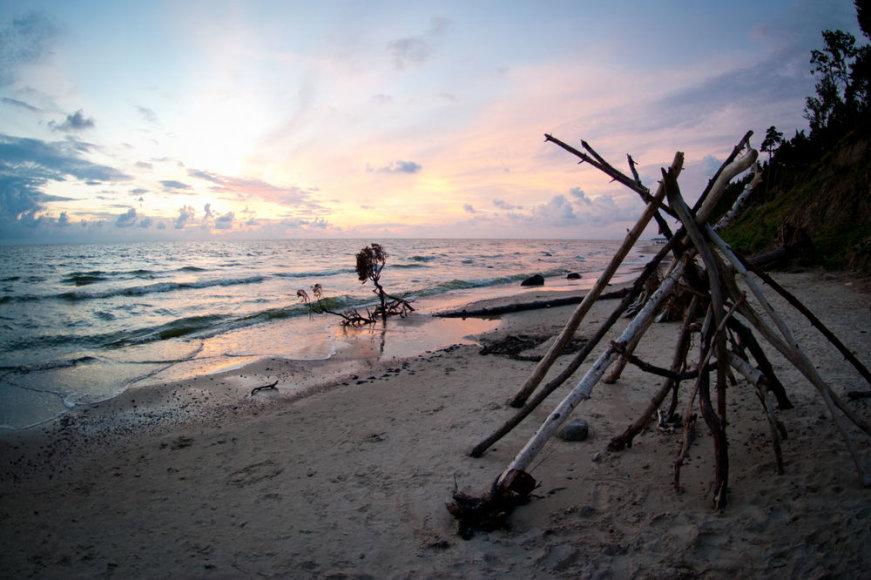 Saulėlydis prie jūros