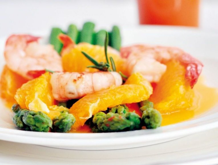 Krevetės su šparagais ir apelsinais