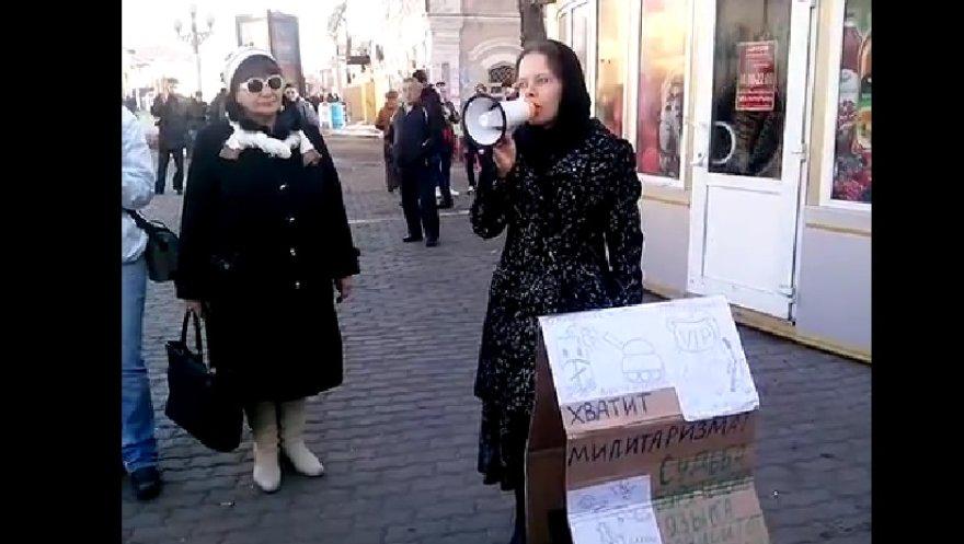 Nadežda Nizovkina mitinge dėl Ukrainos