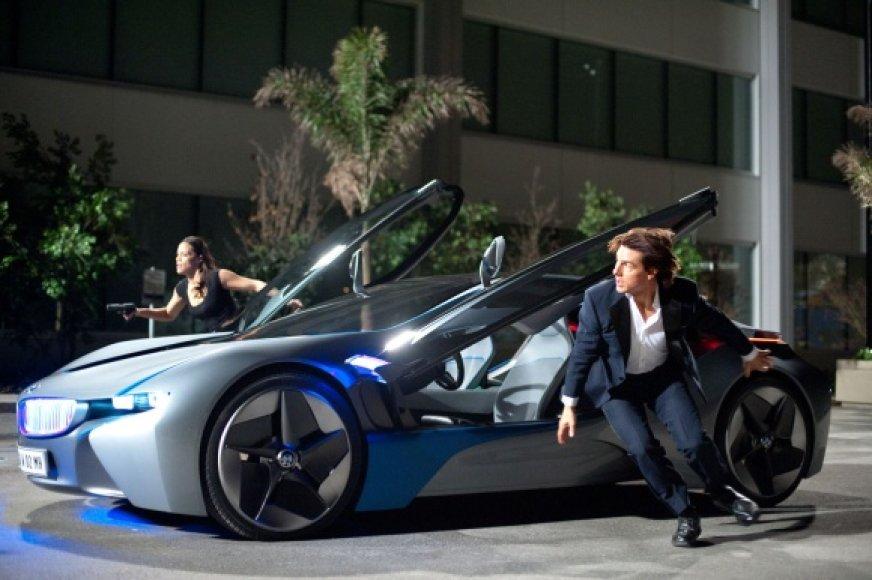 """Trileryje """"Neįmanoma misija. Šmėklos protokolas"""" savo vikrumą vėl demonstruoja Tomas Cruise'as"""