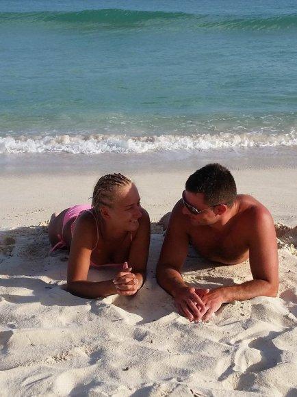 """""""Bikinio porelė"""" Laura ir Tadas Barbadose."""