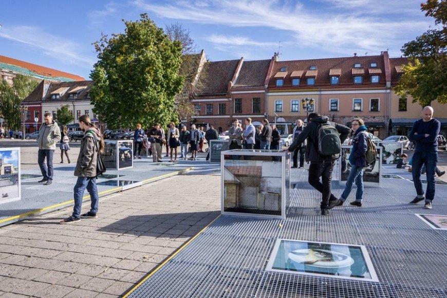 """""""Kaunas photo"""" paroda rotušės aikštėje"""