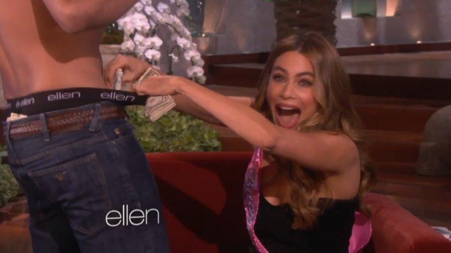 Sofią Vergarą Ellen DeGeneres pokalbių laidoje pradžiugino striptizo šokėjas