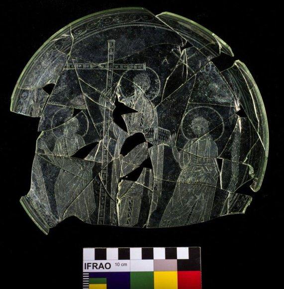 IV amžiaus patena, kurioje matIV amžiaus patena, kurioje matyti seniausias rastas ir geriausiai išsilaikęs krikščioniškosios ikonografijos atvaizdas