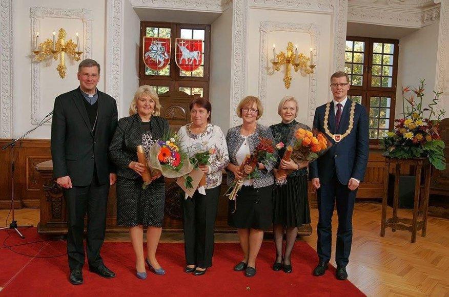 Tarptautinės mokytojo dienos proga Kauno miesto rotušėje apdovanoti Metų mokytojai