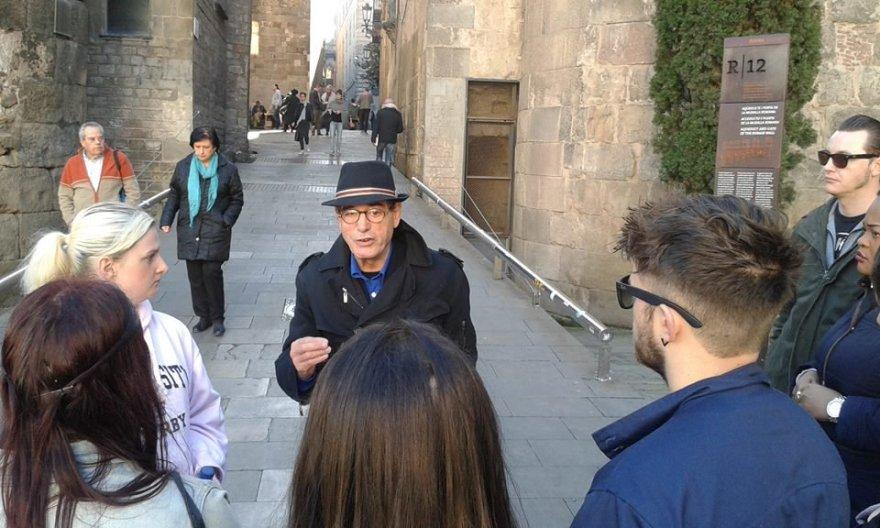 Ramonas Holgado, buvęs virtuvės šefas ir benamis, šiuo metu veda netradicines ekskursijas po Barseloną