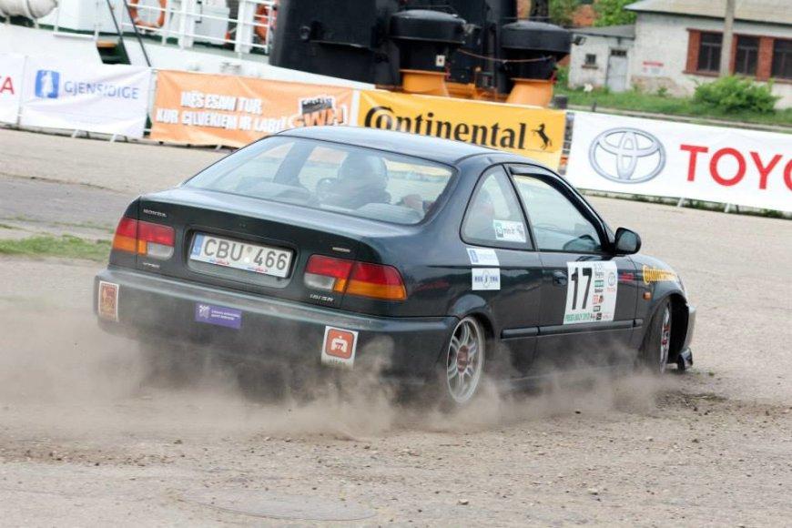 """""""Press ralis"""": Pauliaus Sviklo ir Mindaugo Dūdos """"Honda Civic"""" ekipažas"""