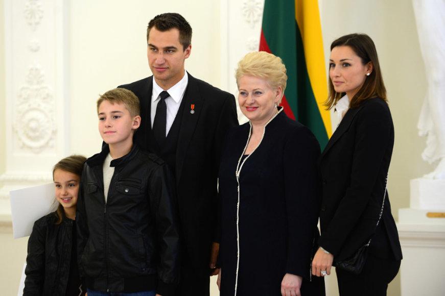 Dalia Grybauskaitė su Dainiaus Zubraus šeima