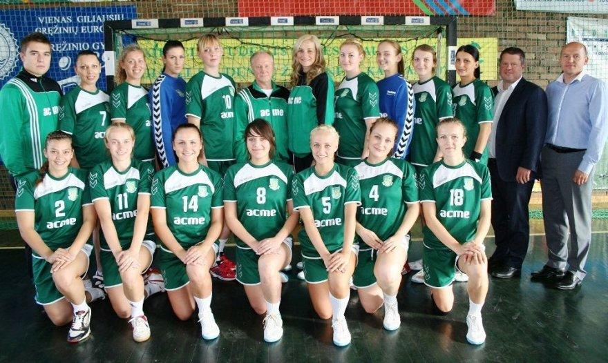 """""""ACME-Žalgiris"""" moterų rankinio komanda."""