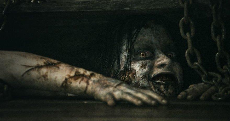 """Kadras iš siaubo filmo """"Piktieji numirėliai"""""""