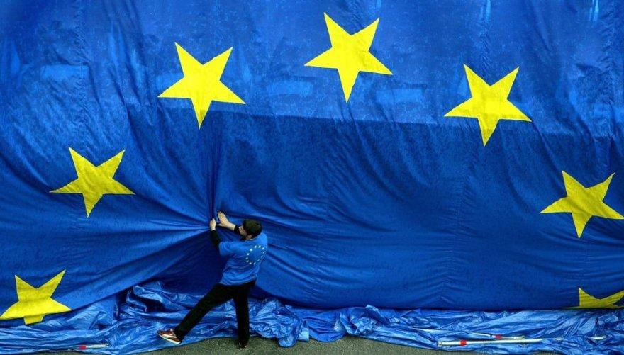 Didžiulė Europos Sąjungos vėliava