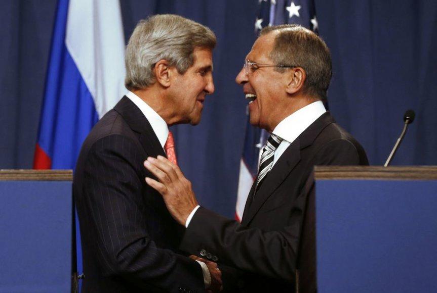 JAV valstybės sekretorius Johnas Kerry ir Rusijos užsienio reikalų ministras Sergejus Lavrovas Ženevoje
