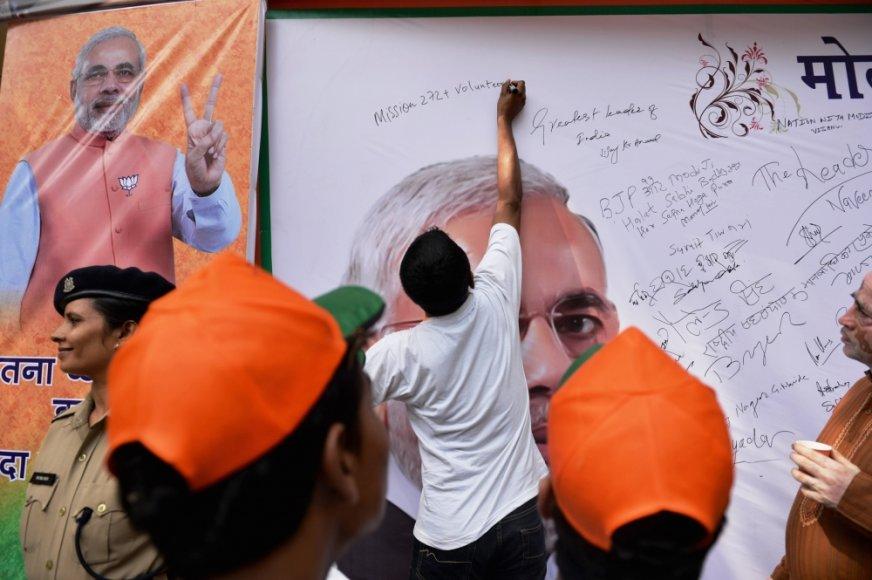 Indijoje rinkimus laimėjo Narendros Modi vadovaujama BJP