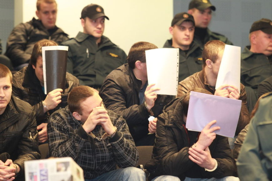"""Tiriant """"lapinų"""" gaujos veiklą įtarimai buvo pareikšti 93 asmenims."""
