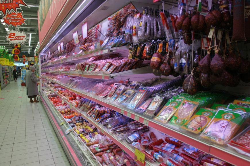 Pirkėjams parduotuvėse labiau rūpi ne mėsos gaminių kokybė, o kaina.