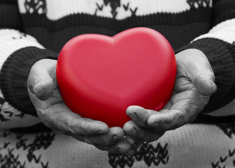 Širdies smūgis gali ištikti tiek seną, tiek jauną.