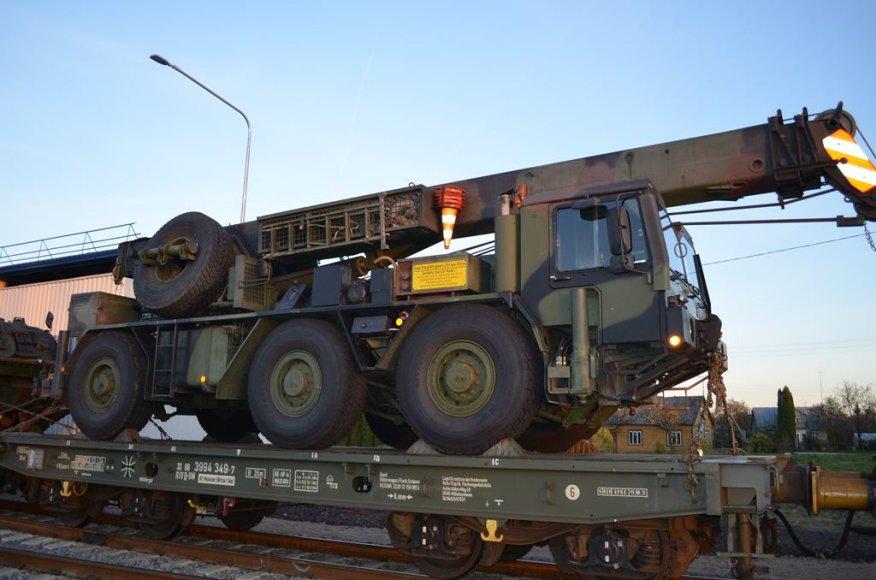Tarptautinėms pratyboms Lietuvoje atgabenta Vokietijos karinė technika.