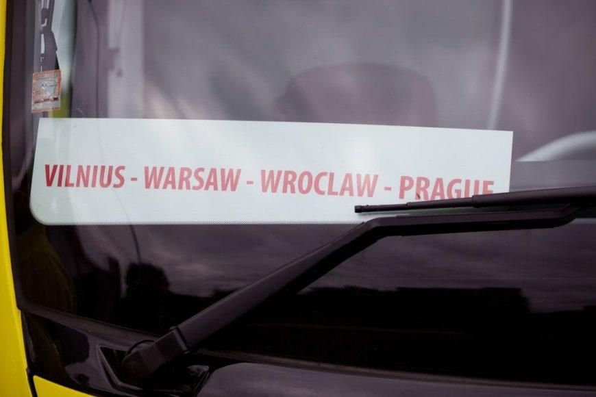 """""""Simple Express"""" autobusai nuo šiol važiuoja ir į Prahą"""