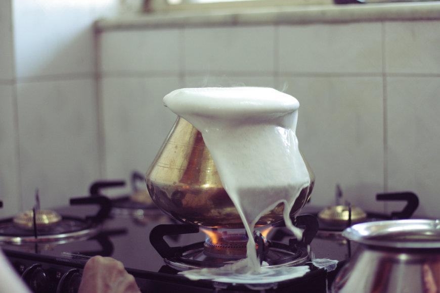 Šiltas pienas taip pat padeda gydyti bronchitą