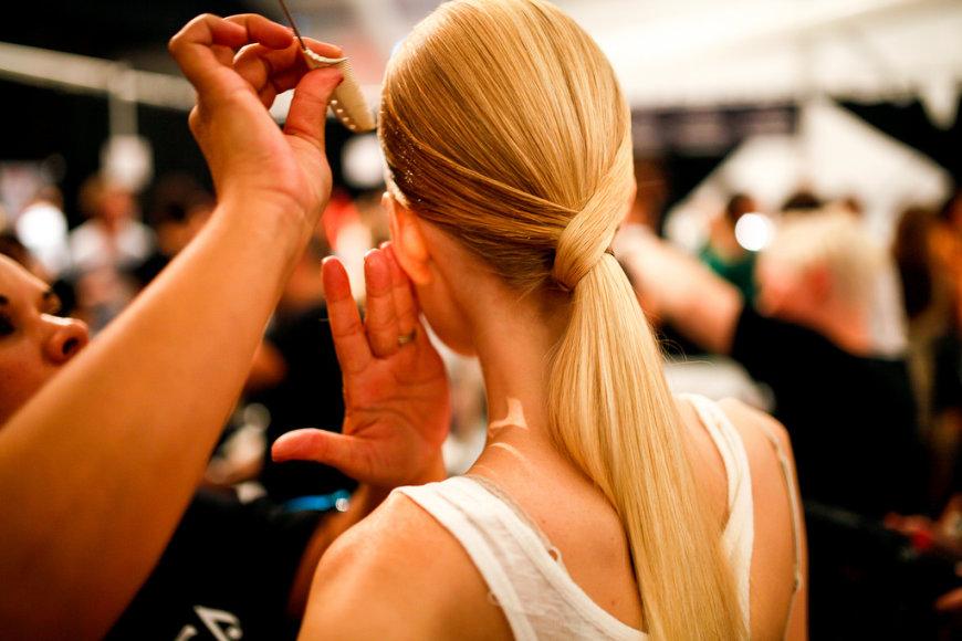 Plaukų priežiūra namuose