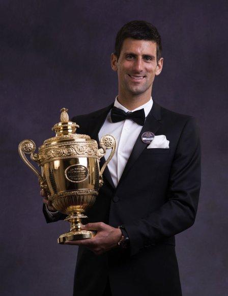 Novakas Džokovičius antrą kartą karjeroje tapo Vimbldono čempionu