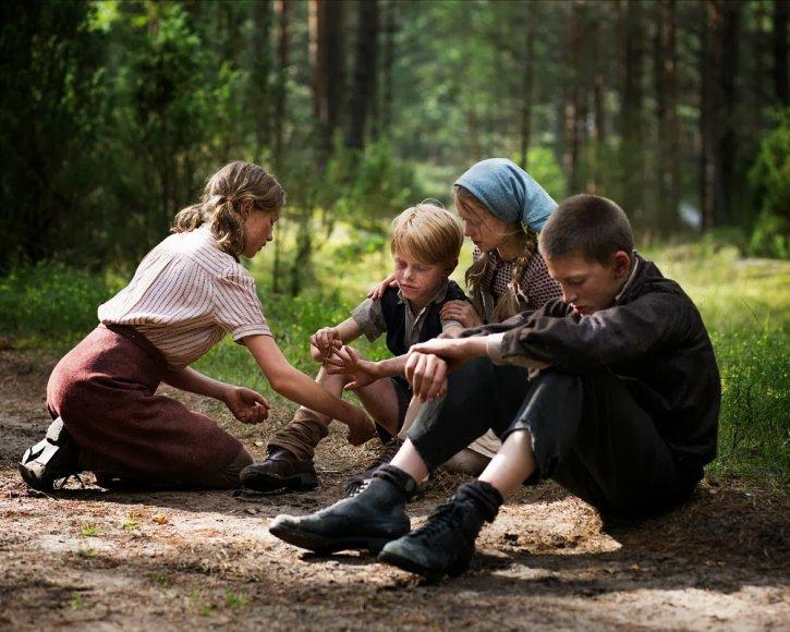 """Vokiečių režisieriaus Ricko Ostermanno drama """"Vilko vaikai"""""""