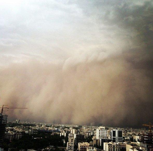 Teherane – didžiulė smėlio audra.