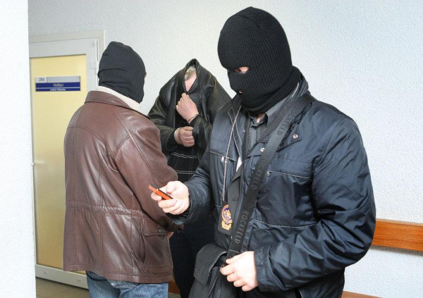 Išskirtinis STT agentų bruožas – kaukės.