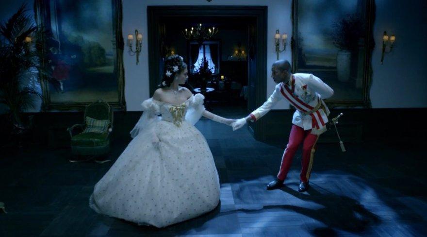 "Cara Delevingne ir Pharrellas Williamsas filme ""Reincarnation"""
