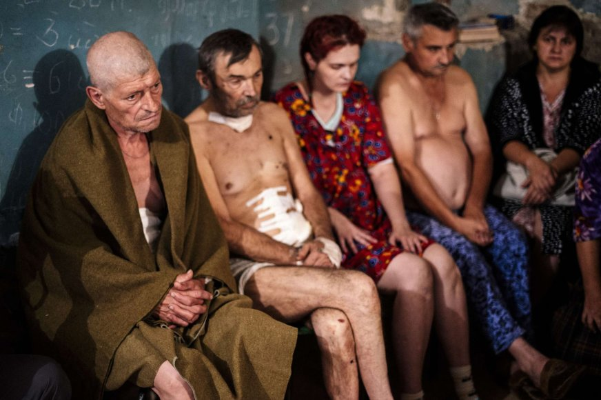 Donecke apšaudytos ligoninės pacientai slepiasi rūsyje